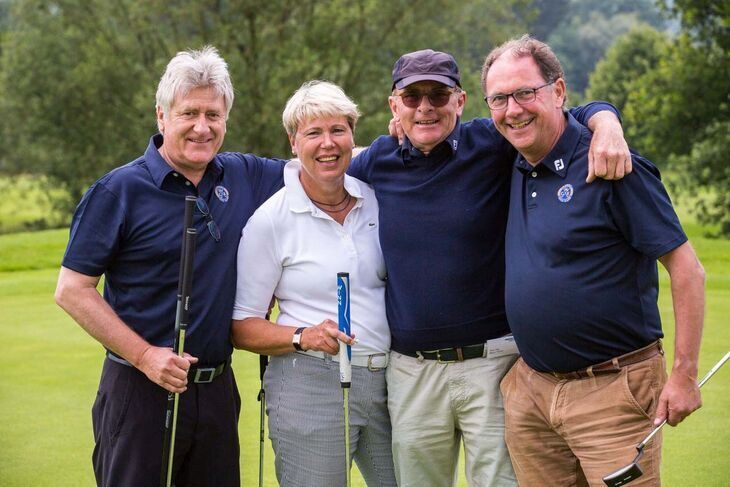 A team at the 2015 Rector's Cup golf tournament